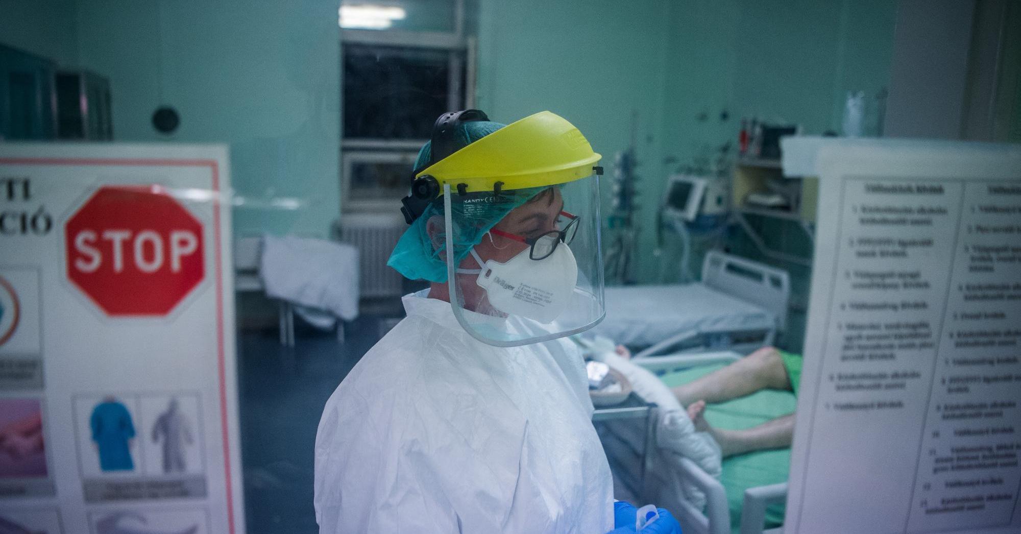 """Covid: """"a betegek hangulatán akartunk javítani, Kásler leállított"""""""