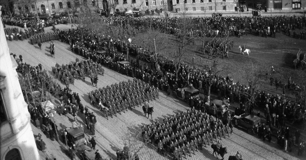 Megdöbbentő, hogy a magyar politika a Horthy-korszakból veszi át a retorikát