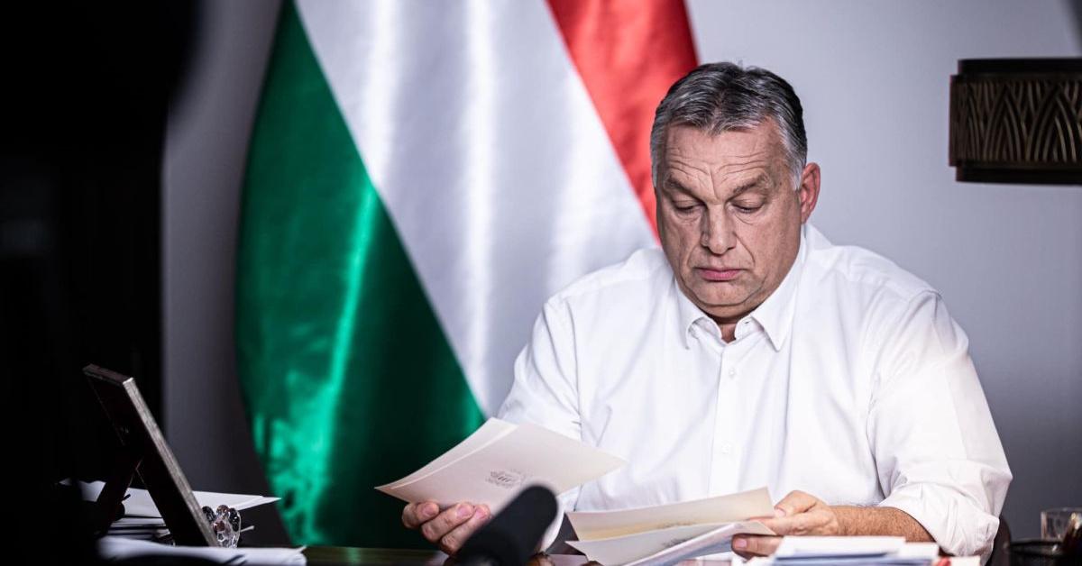 Orbán: februárig maradnak a korlátozások