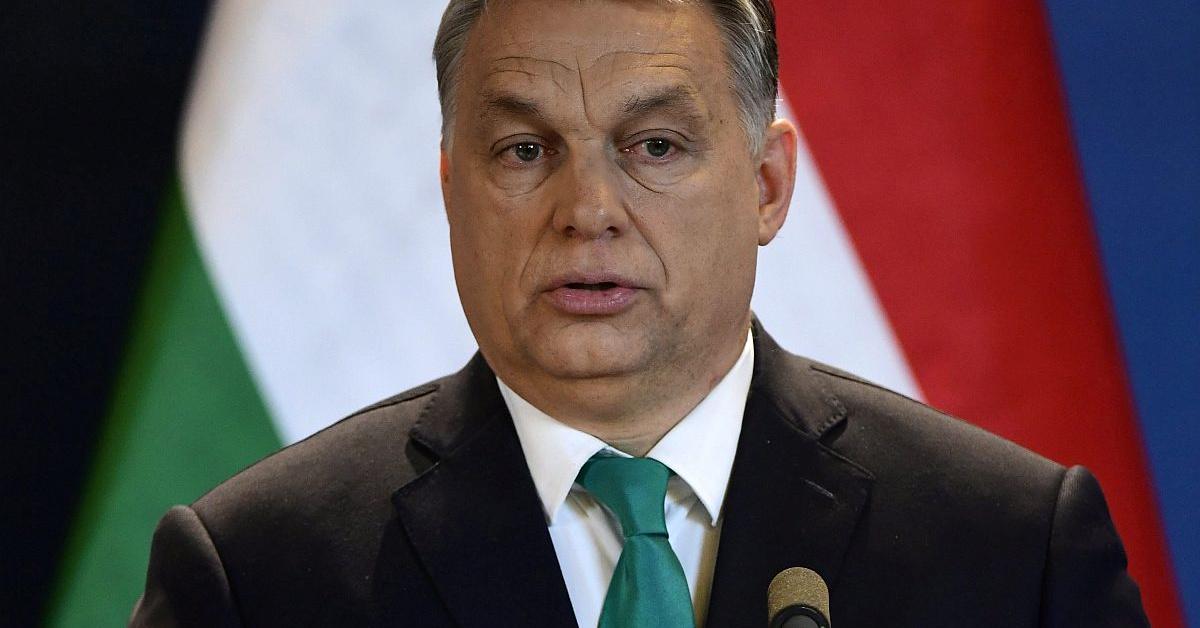 Orbán: Hétfőtől nem mehetnek be a diákok az iskolába