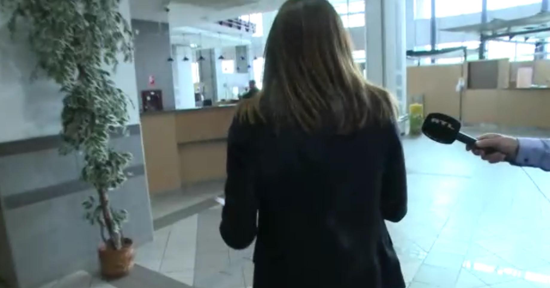 Varga Juditot kosaras csellel menekült el a riporter kérdéseitől