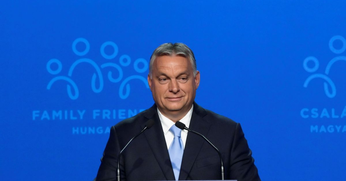Orbán: A történelmünk úgy véd a kulturális baloldaltól, ahogy a vakcinák a koronavírustól